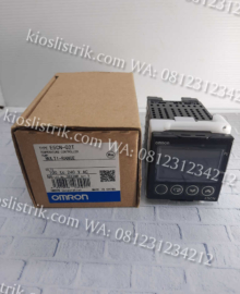 Temperature Controller E5CN-Q2T Omron